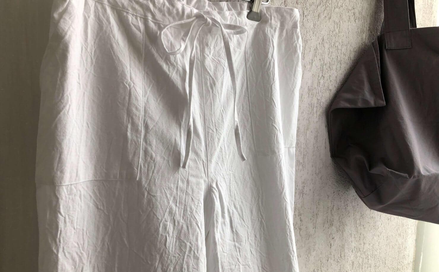 多賀から届いた白リネンコットンパンツ