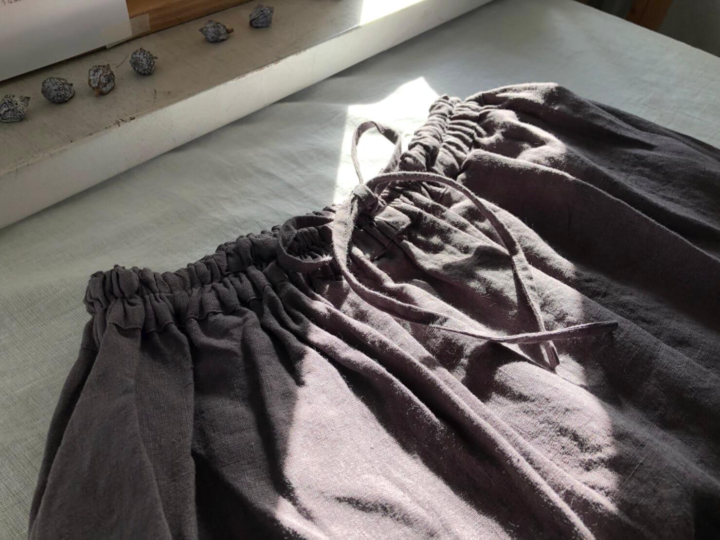 パープルグレー スカート