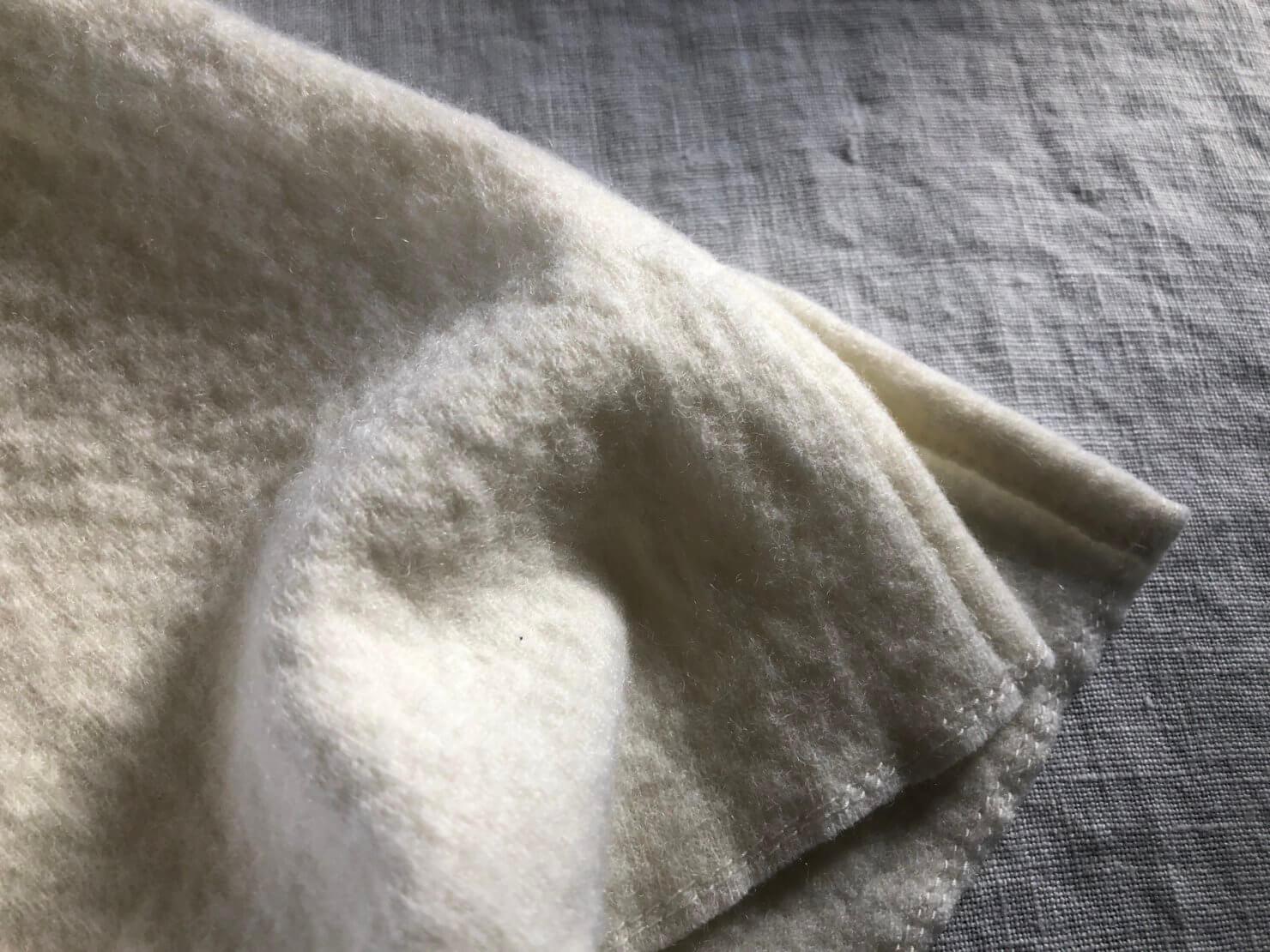 生成りウールベスト 裾