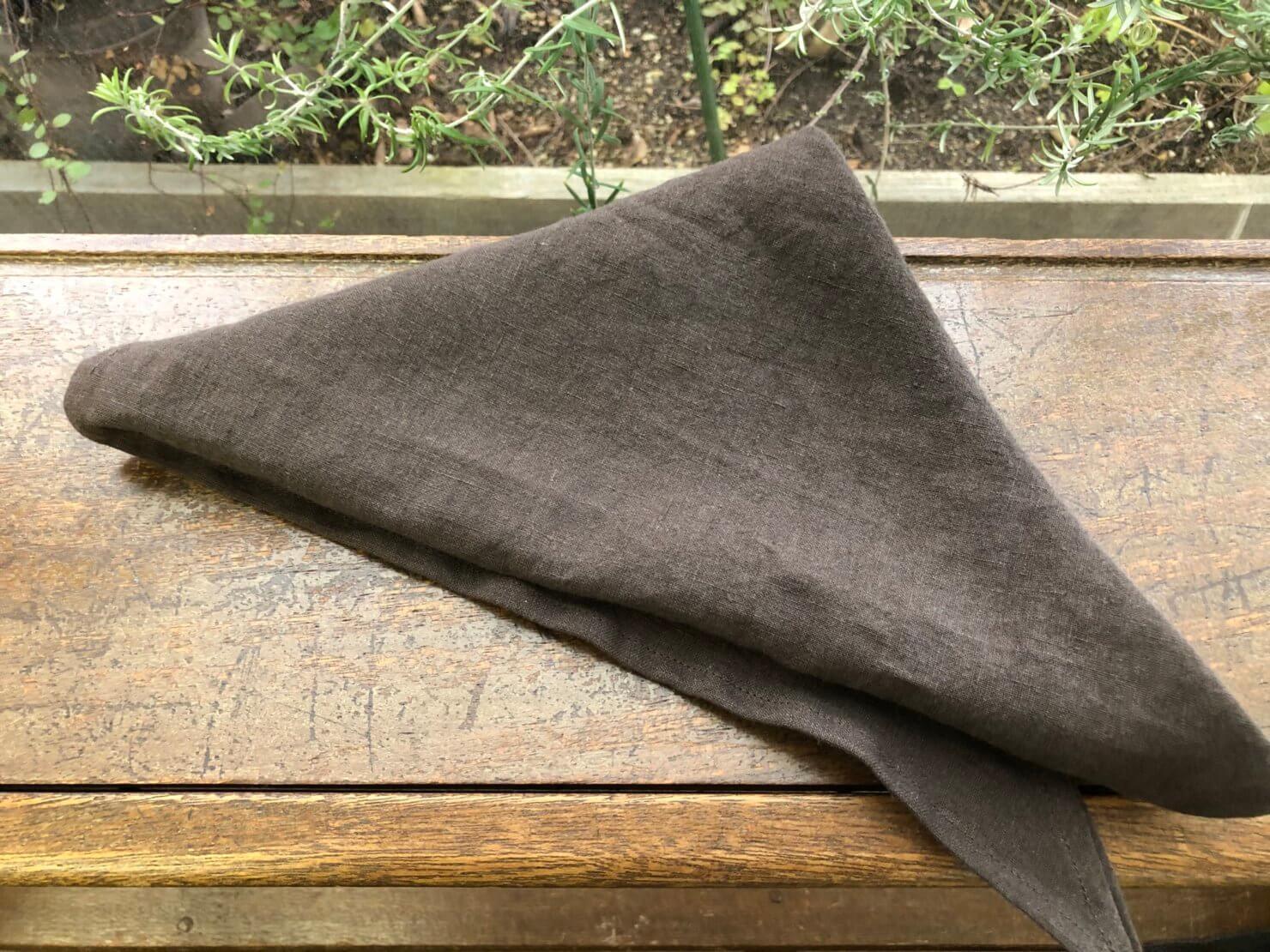 ブラウン三角巾