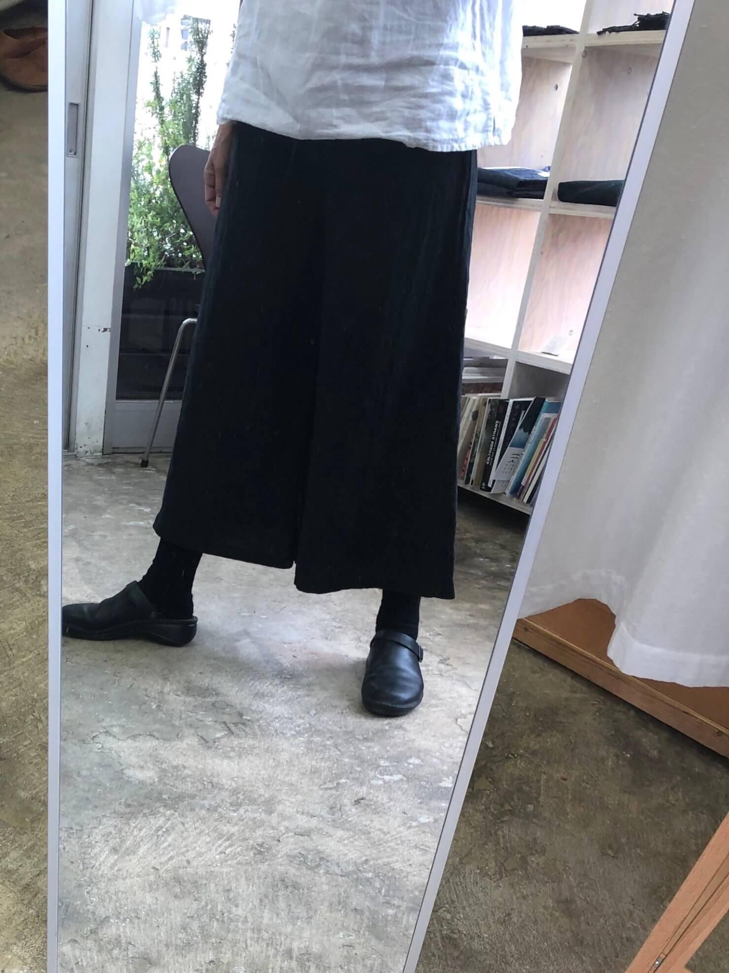 黒マットパンツ 2