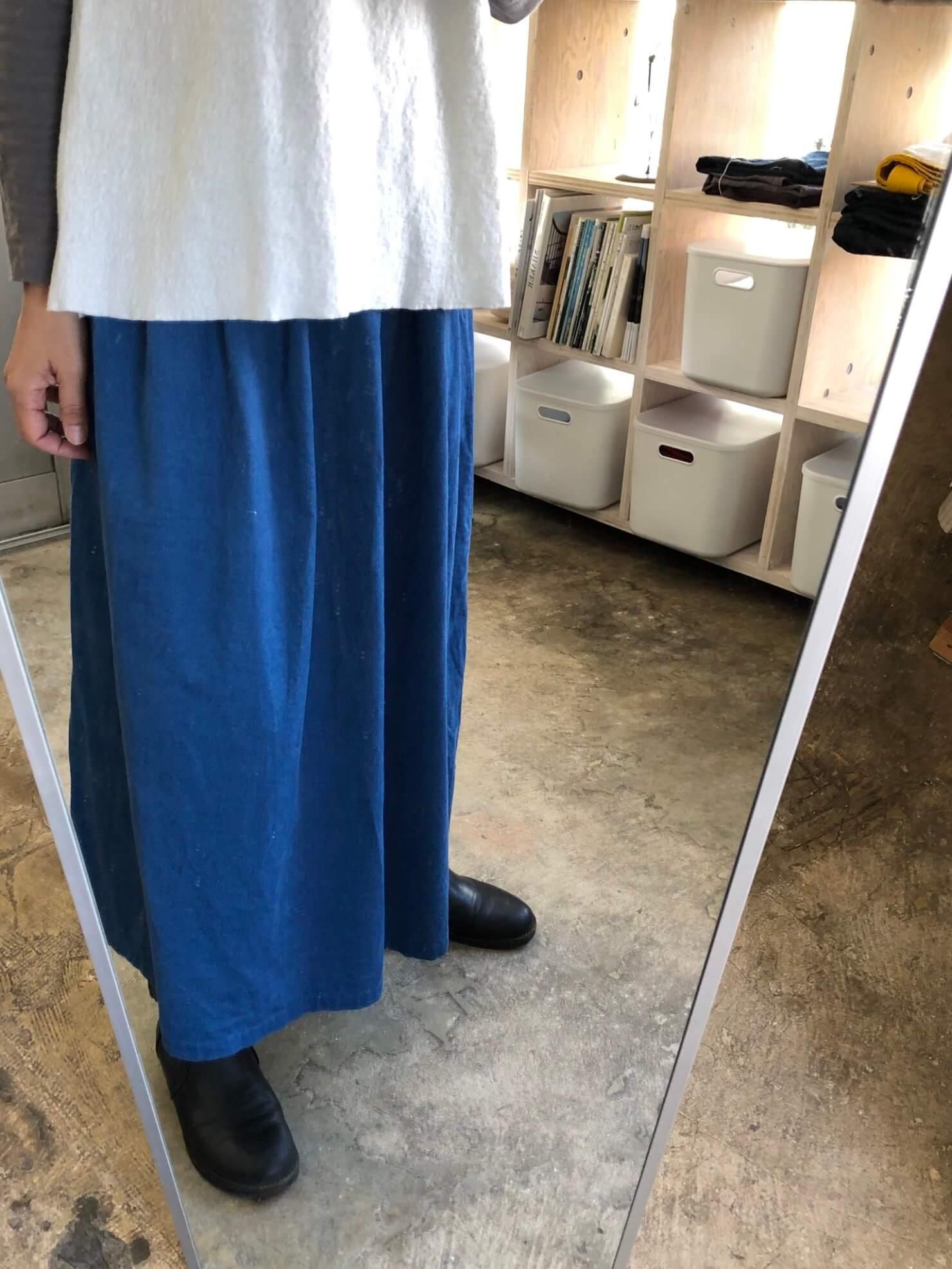 ブルーコーデュロイギャザースカート   1