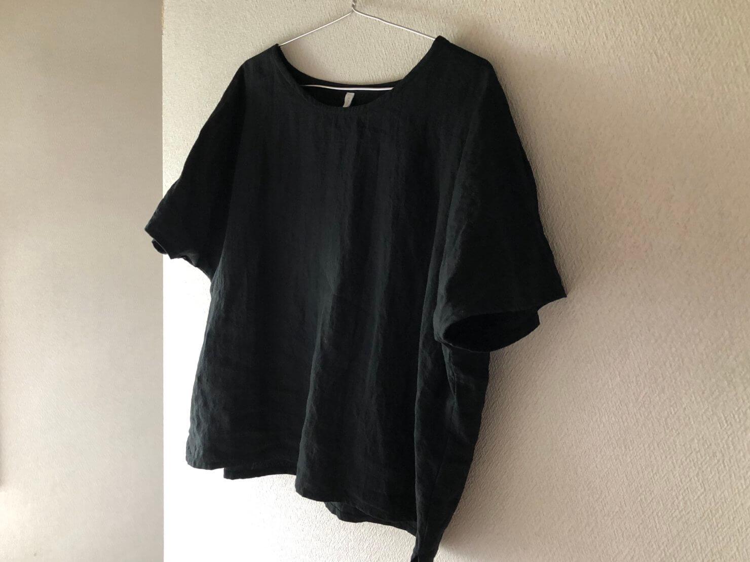 黒リネン半袖ブラウス1