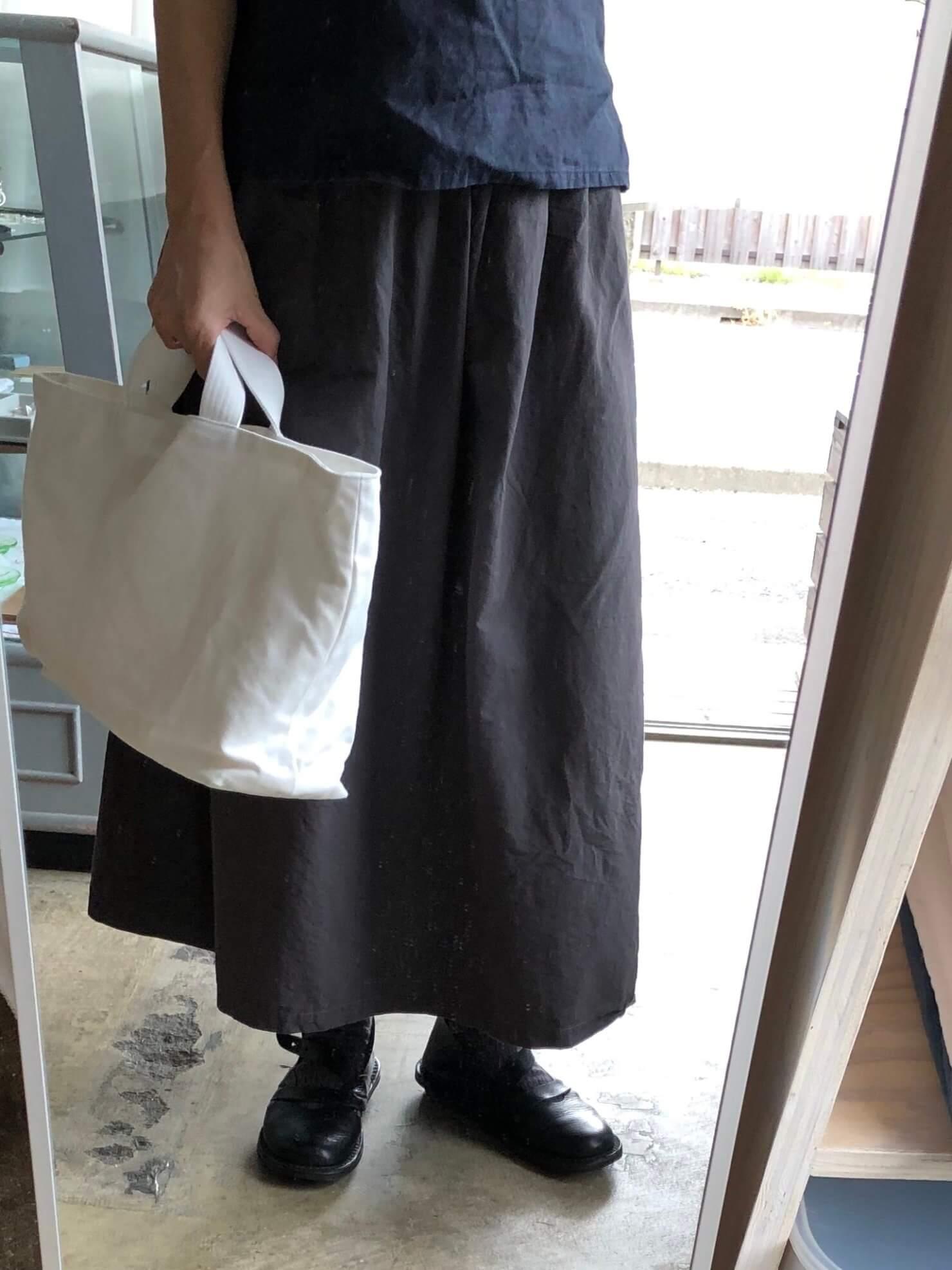 スカート と白
