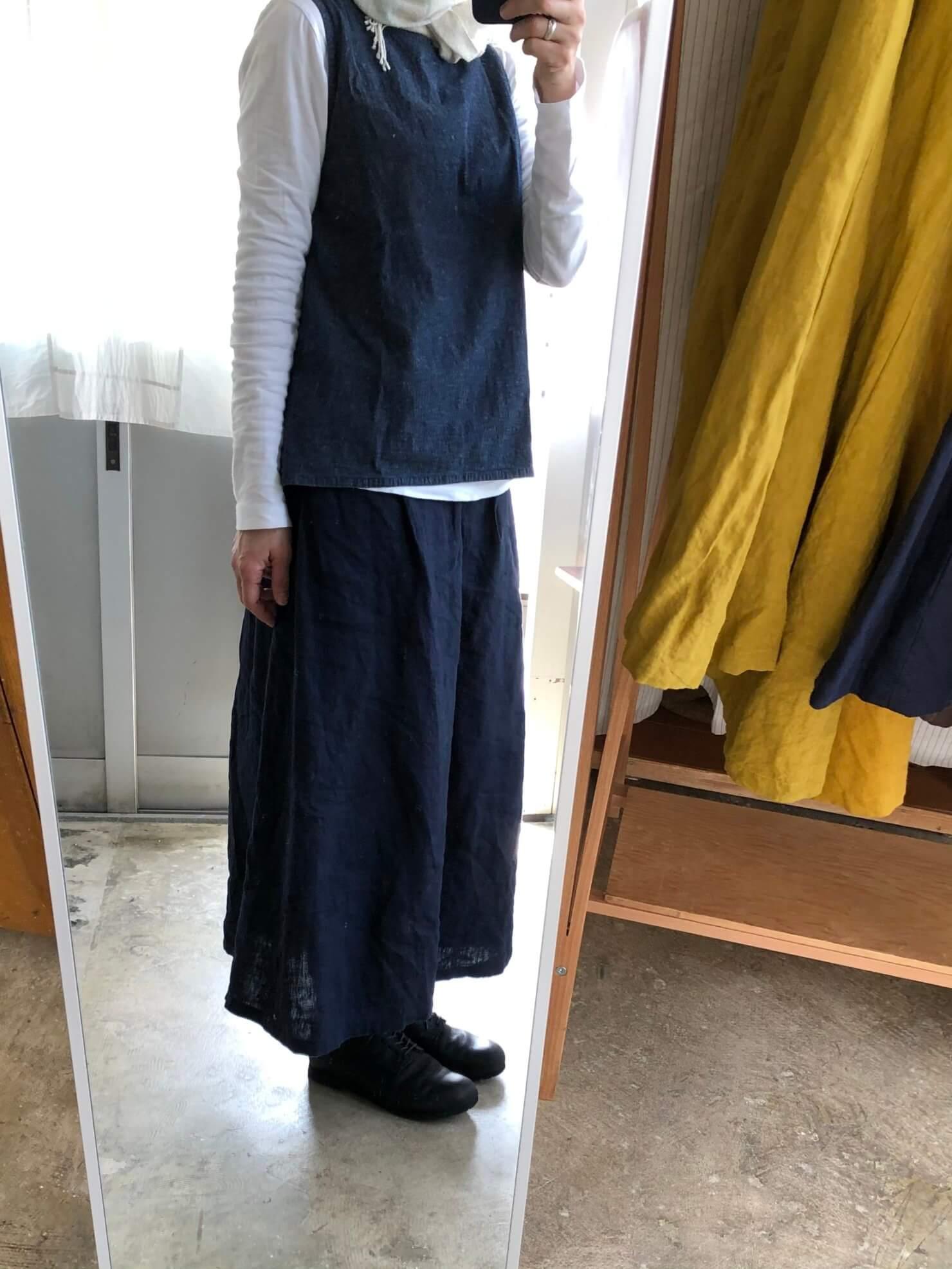 ネイビーリネンスカート